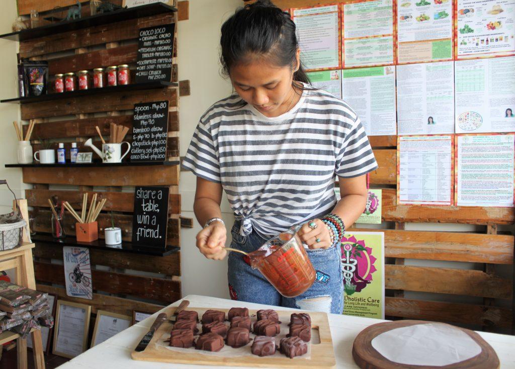 Sahara-Casteel-Davao-Vegan-Dinosaur-Raw-Brownies-Chocolate-Van-Wersch-Writes