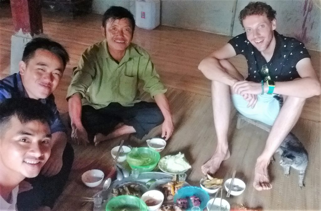 Mu-Can-Chai-Family-Lunch-Floor-Impressions-Vietnam